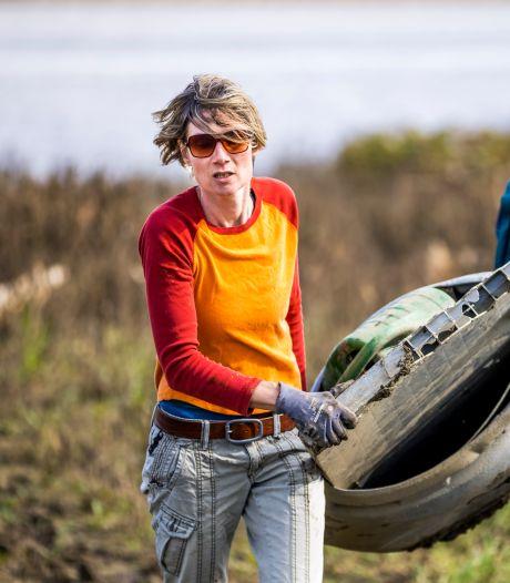 Opruimen bij oevers Maas: 'Mijn handen jeukten al een week om aan de slag te gaan'