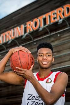 Dordtse basketballer Sedale (19) debuteert bij Feyenoord in eredivisie: 'Ik was best zenuwachtig'
