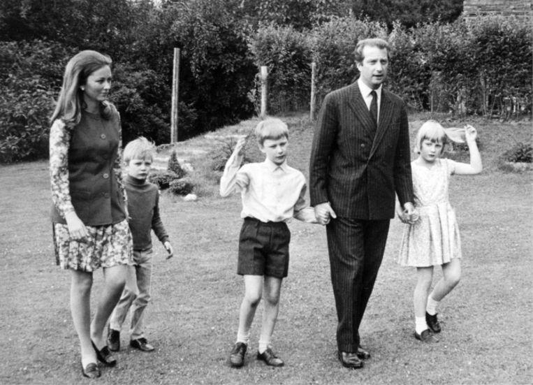 'Dagelijkse affectie kregen de kinderen niet van Albert en Paola. Die twee hadden een vreselijk huwelijk. Elk ander koppel zou uit elkaar gegaan zijn, maar zij mochten niet van Boudewijn.' Beeld