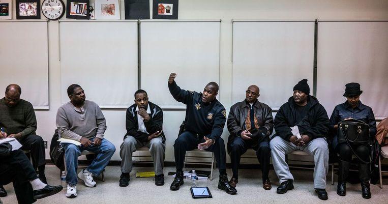 Het politiekorps in 'Flint Town' wordt verscheurd door raciale spanningen. Beeld rv