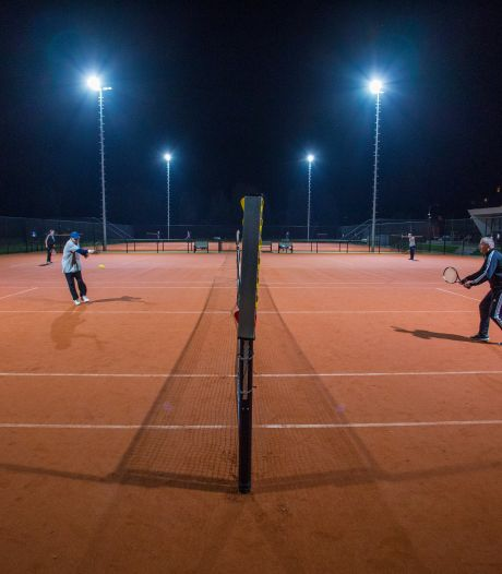 Tennisverenigingen in de Liemers leven op: de voetballer die wil sporten gaat nu lekker tennissen
