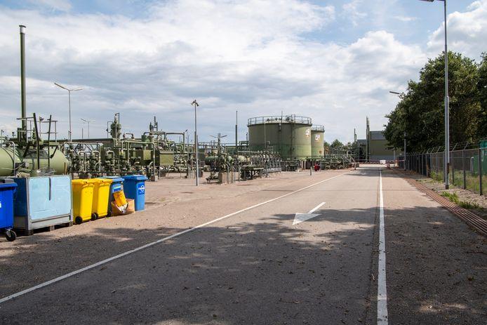 In de zomer van 2019 was de sanering van de zware bodemvervuiling onder en buiten de gaswinningslocatie aan de Tweede Blokweg in De Krim nog in volle gang.