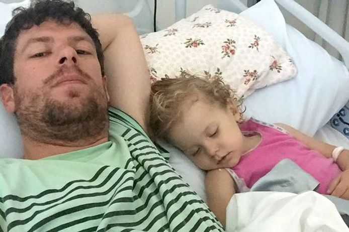 Adam Koessler werd gearresteerd omdat hij zijn dochtertje Rumer cannabisolie had toegediend tegen de pijn.