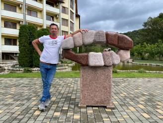 Jorg Van Daele tovert voormalig beeldhouwwerk van Lenin om in een 'kus'