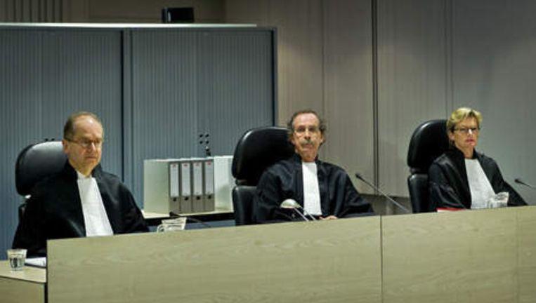 De rechters die de Amsterdamse zedenzaak behandelen (VLNR) mr. M. J. Diemer, mr. F. G. Bauduin (president) en mr. G. M. Boekhoudt. Foto ANP Beeld