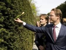 Prins Jaime herdenkt opa bij Dachauherdenking Amsterdam