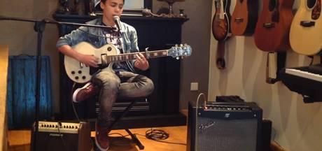 VIDEO: Veghelse Stef straalt in Voice Kids en kiest voor Marco