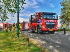Vrachtwagen lekt 600 liter bijtende stof in Heeze, brandweer met meerdere eenheden uitgerukt