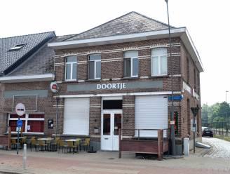 Dronken klant valt politie aan in Berlaars café: Café Doortje voor twee weken dicht