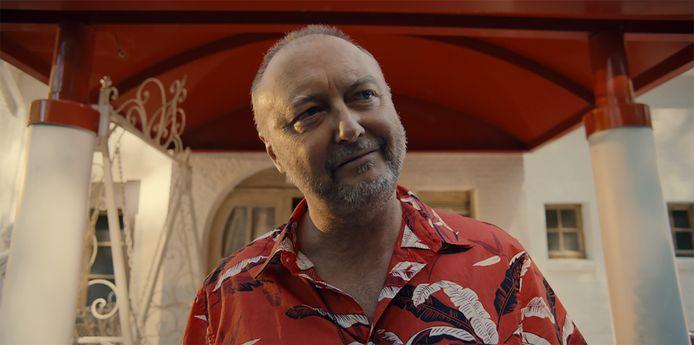 Luk Wyns is in 'Glad ijs' te zien als Stan, een louche maar ook best toffe bordeeluitbater.