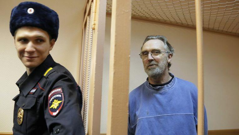 De Australische activist Colin Russell blijft als enige van de dertig opvarenden van de Arctic Sunrise langer in voorarrest. Beeld ap