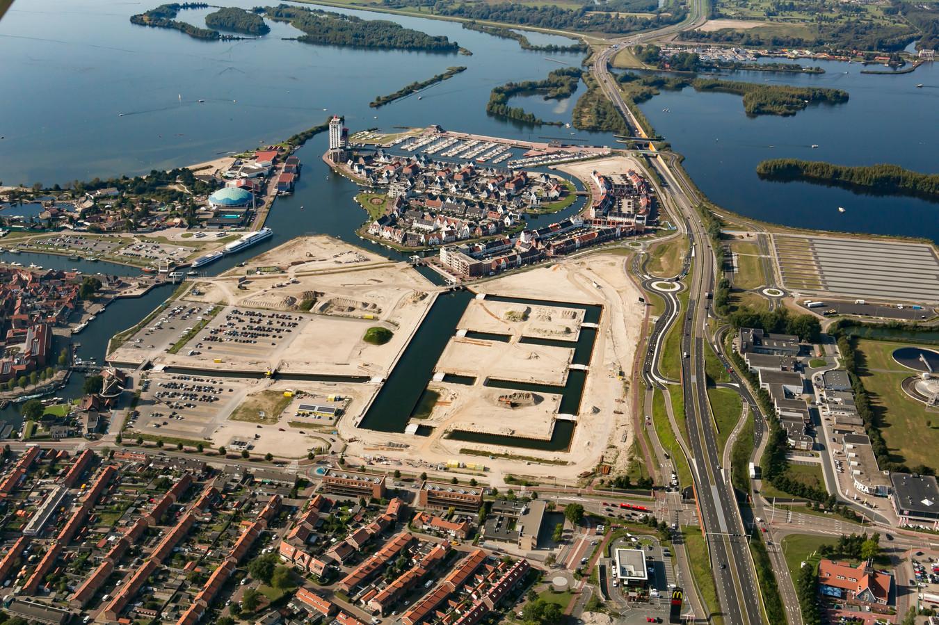 Nieuwbouwwijk het Waterfront in Harderwijk. De komende jaren verrijzen in het gebied nog eens bijna duizend huizen.