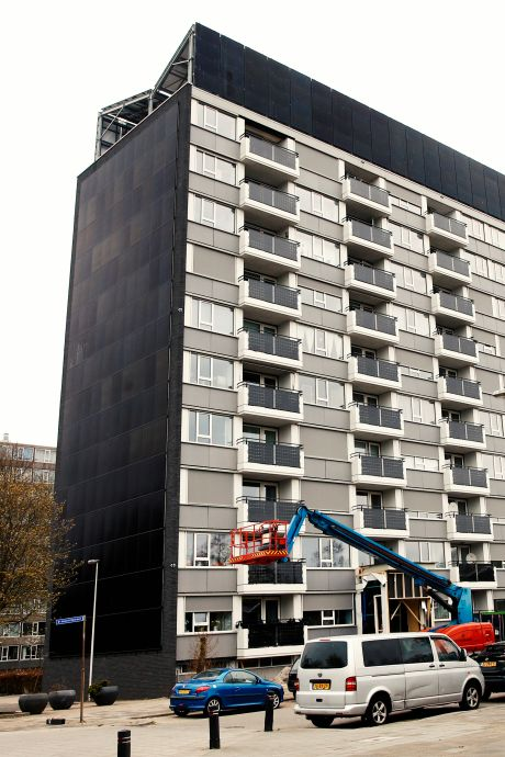 Drie jaar na koninklijk bezoek balen flatbewoners vooral van 'Overvechtse energiecentrale': 'Je moet staan om naar buiten te kijken'