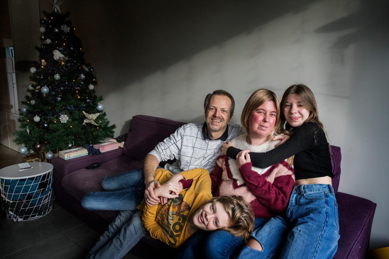 Cathy Hulpiau met haar gezin. Beeld Aurélie Geurts