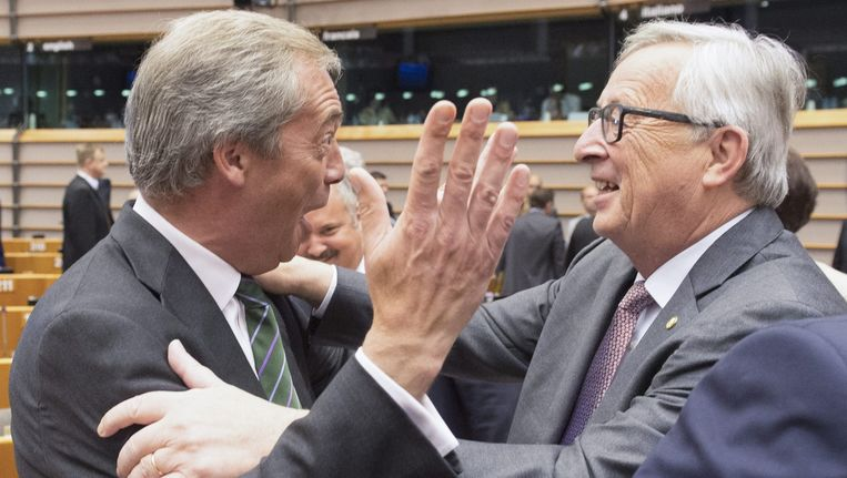 Nigel Farage en Jean-Claude Juncker in het Europees Parlement. Beeld epa