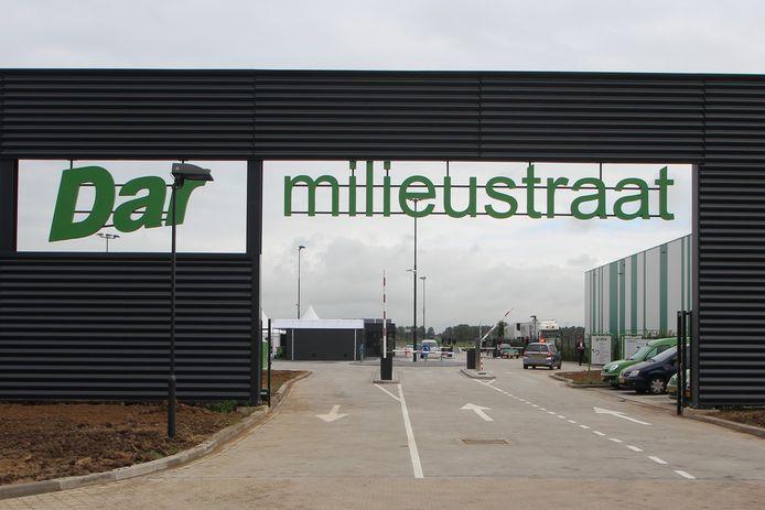 De in- en uitgang van de milieustraat van afvalinzamelaar Dar in Wijchen.