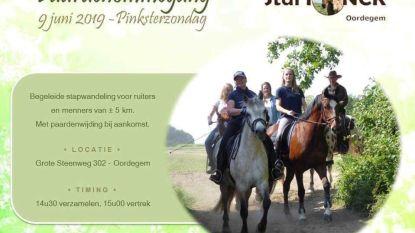 Paardenommegang op pinksterzondag met start aan Stal Fonck