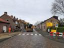 De werkzaamheden aan een gedeelte van de Steenweg in Moerdijk zijn begonnen.