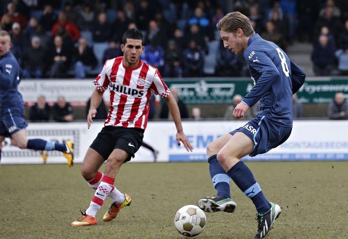 Rotterdam - voetbal - Feyenoord A1 - PSV A1 - (6) Mohamed Mahmoed - rechts (8) Casper Knoester (archieffoto)