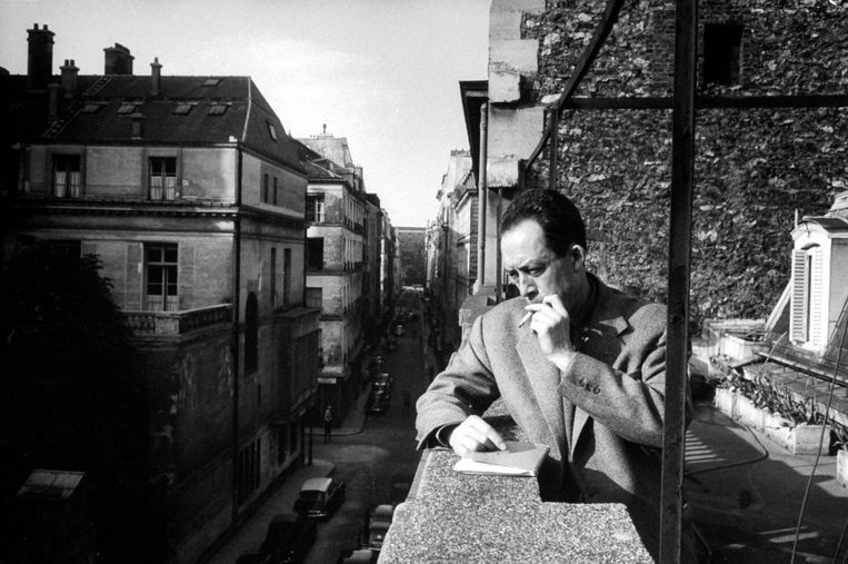 Albert Camus in 1955, vijf jaar voor zijn dood. Beeld Time & Life Pictures/Getty Image