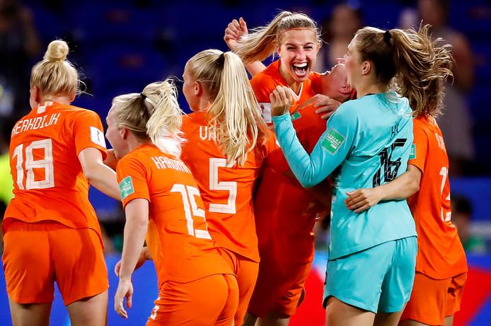 Oranje viert feest na het bereiken van de WK-finale.