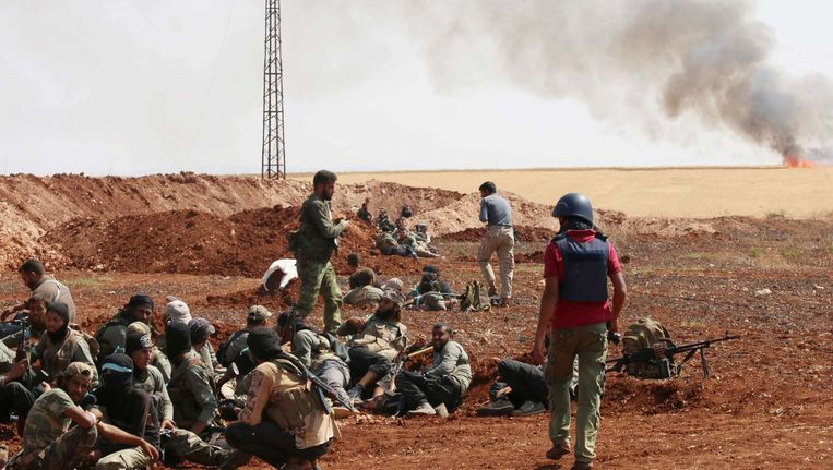 Een groep van het Syrische rebellenleger Jaysh al-Islam nabij Aleppo. Ze bekampen er de Syrische overheidstroepen.