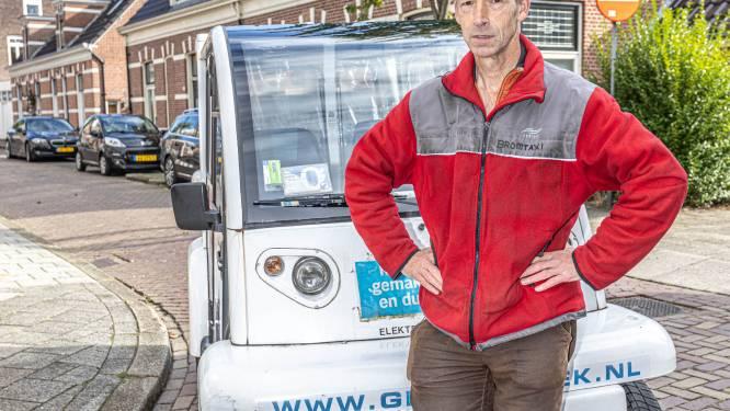 Bromtaxi Zwolle stopt, Alex Smit(58) na jaren knokken werkeloos