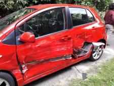 Auto's zwaar beschadigd bij aanrijding in Groesbeek