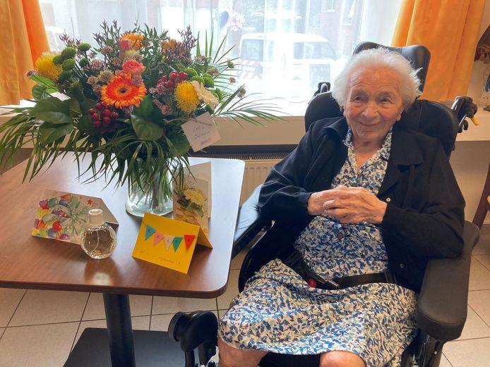 Mit Van der Auwera vierde haar 107ste verjaardag en is daarmee de oudste geboren en getogen Duffelaar