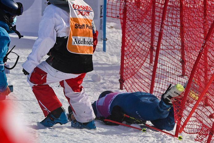 Tommy Ford kwam aan hoge snelheid ten val tijdens de reuzenslalom in het Zwitserse Adelboden.