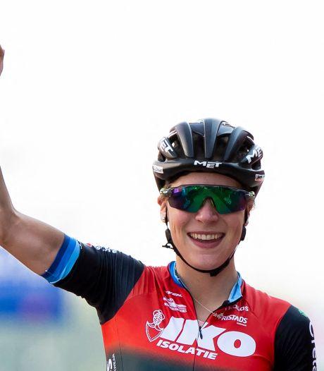 Yara Kastelijn weet weer wat winnen is: 'Fijn om niet langer achter de feiten aan te rijden'