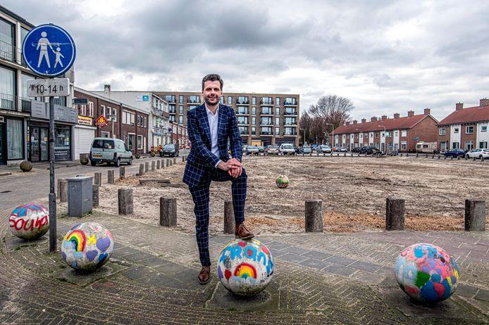 """Het Pater van den Elsenplein en omgeving: elf jaar geleden begon Berend de Vries eraan als wethouder, momenteel gaat het op de schop. ,,Buurtbewoners verloren soms het geloof, je moet volhouden."""""""