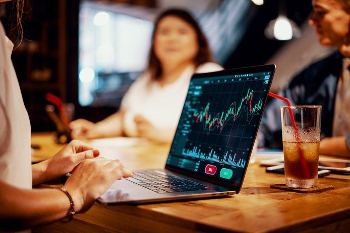 Un dividende ne peut jamais être considéré comme une certitude absolue. Vous devez espérer que les entreprises dans lesquelles vous investissez, afficheront de bons résultats.