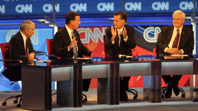 De vier overgebleven Republikeinse presidentskandidaten gisteravond tijdens een televisie-debat. Beeld epa