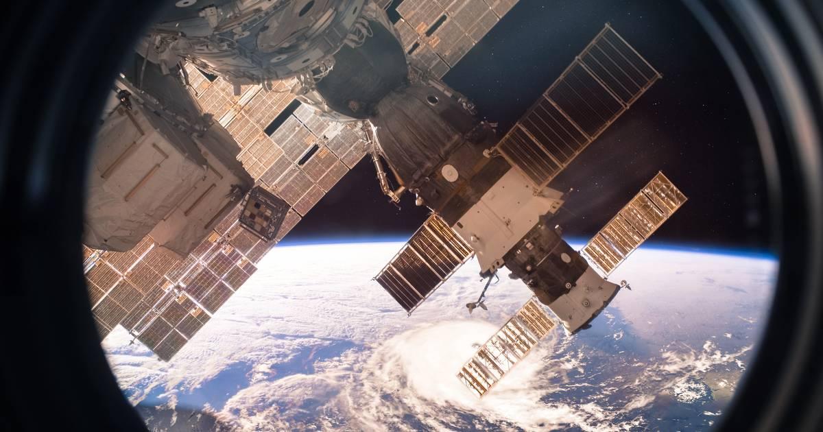 Bemanning ruimtestation ISS zoekt met speciale microscoop lek in de wand - Het Laatste Nieuws