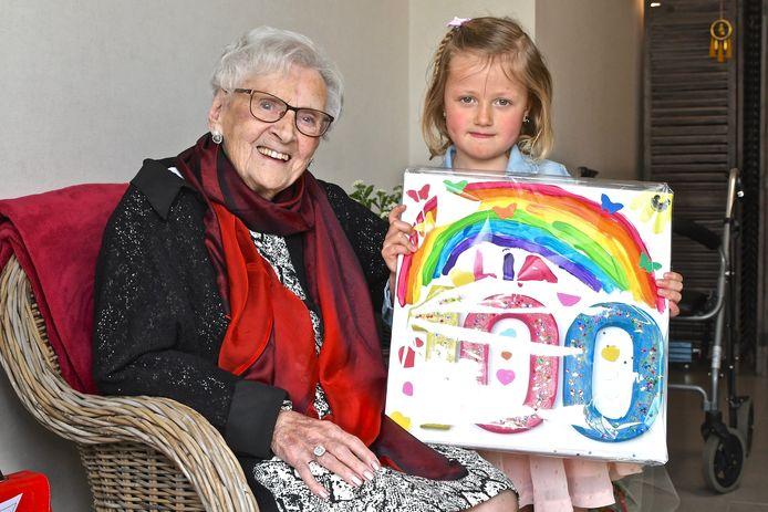 Lia Vandenberghe vierde haar honderdste verjaardag en werd verrast met een bezoekje door haar 95 jaar jongere naamgenote.