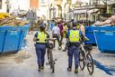 Boa's surveilleren in het stadscentrum. Winkeliers uit het door wateroverlast geteisterde Valkenburg klaagden over stelende ramptoeristen.