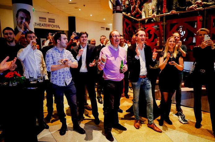 Publiek van Forum voor Democratie tijdens de uitslagenavond