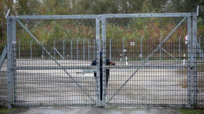 Hongarije sluit omstreden migrantenkampen in transitzone