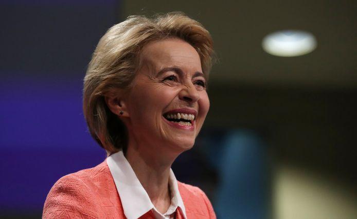 Ursula von der Leyen is blij met haar nieuwe team.