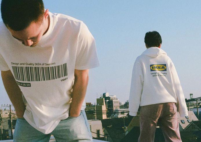 """Sa nouvelle collection """"Eftterträda"""" se compose de t-shirts, de pulls ou encore de sacs estampillés IKEA."""
