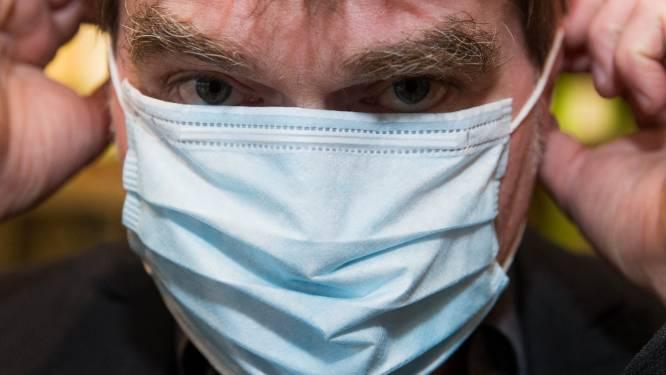 """Ook gevangenen helpen mee: """"Wij kunnen en zullen tot zeshonderd mondmaskers per dag naaien"""""""