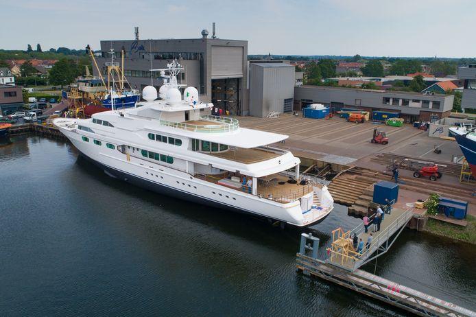 Superjacht de 'Dancing Hare' onderging vorig jaar een refit op de werf van Balk Shipyard op Urk.