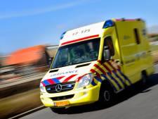 Man in been gestoken bij ruzie in Apeldoorn, politie vindt slachtoffer gewond op A50
