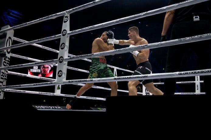 In het Gelredome moest Badr vs. Rico 'de wedstrijd van de eeuw' worden,  maar Badr moest de strijd in de tweede ronde staken na een blessure.