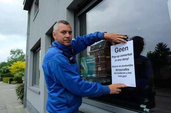 Marvin Christiaens van café De Plekpot in Kapelle-op-den-Bos kant zich met zes andere cafébazen tegen de plannen van enkele vrienden om een pop-up zomerbar te openen.