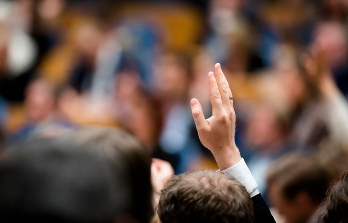 De vrouwenquotummotie kreeg gisteren tijdens de stemmingen in de Tweede Kamer steun van een Kamermeerderheid.