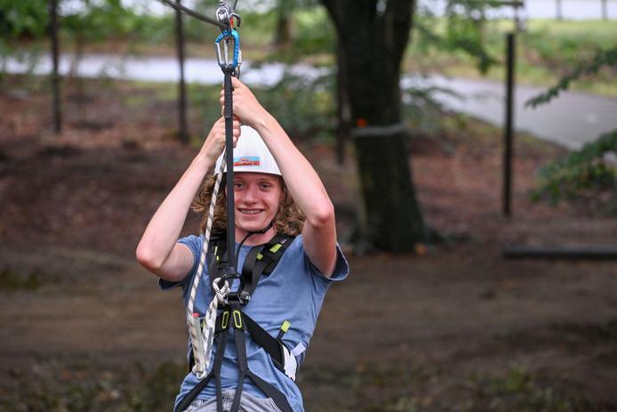 De 14-jarige Robin is onbevreesd voor de attracties van Funpark Veluwe. ,,Gaaf!''