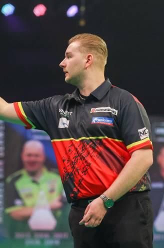 Eerste horde genomen voor de titelverdediger: 'Dancing Dimi' klopt Petersen en staat in tweede ronde World Matchplay