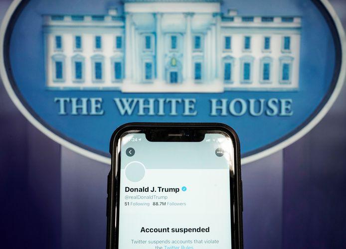 Le compte Twitter de Donald Trump a été suspendu et ses tweets du compte officiel POTUS dénonçant les agissements de Twitter également